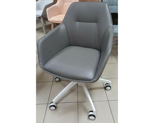 Кресло офисное LAREDO (610*620*890) серое на колесиках - Фото №1