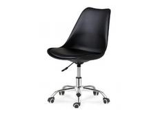 Кресло офисное черное с подушкой на колесиках