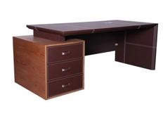 Стол руководителя коричневый 3 ящика